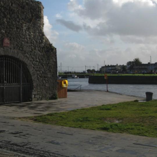 Galway – Corrib, Spanish Arch & Claddagh