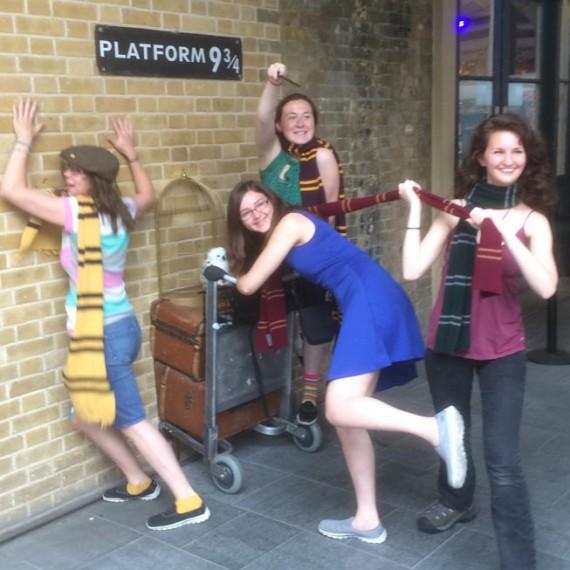 Harry Potter platform 9 and 3/4